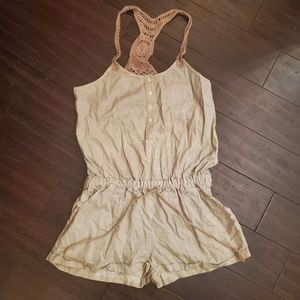 Aviva Romper Jumpsuit sz Medium